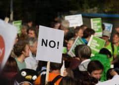Protestan contra planes de construir una carretera a través del parque North Miami