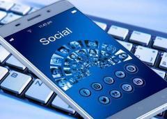 Tinder, la primera víctima de las nuevas medidas de seguridad de Facebook