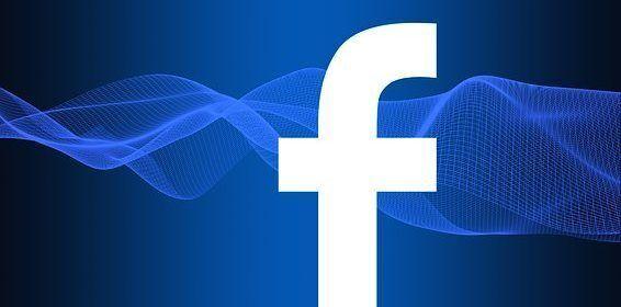 Zuckerberg responde en Europa por filtración de datos de Facebook