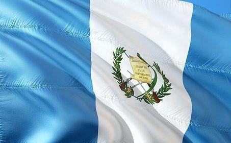 Guatemala pide salida de embajadores de Venezuela y Suecia