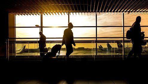 'El pasaporte es de mi amigo': racha de arrestos por intentar engañar a agentes del aeropuerto de Miami