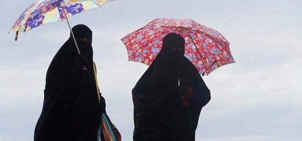 Holanda prohíbe el uso de la burka y el velo en los espacios públicos