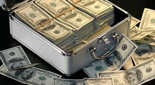 Autoridades dominicanas decomisan más de 414.000 dólares no declarados