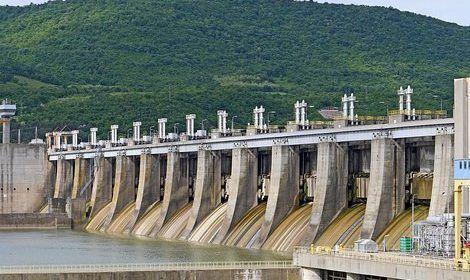 Revienta represa en México; hay 6 desaparecidos y 1 muerto