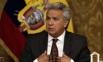 Presidente de Ecuador afirma que Assange debe salir de embajada
