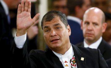 Correa denuncia que periodista ecuatoriano amenazó con dispararle en Bélgica