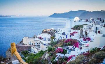 Grecia investiga a decenas de cooperantes por tráfico de migrantes y espionaje