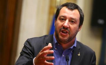 """Salvini acusa a España de """"favorecer una inmigración fuera de control"""""""