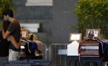 Empiezan funerales de víctimas de puente que colapsó en Génova