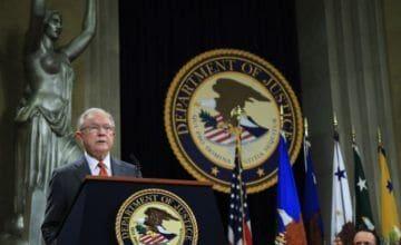 Trump amenaza con intervenir el Departamento de Justicia