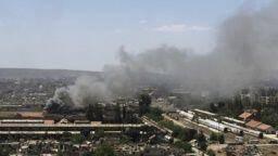 Irak dice que sus aviones alcanzan blancos de ISIS en Siria