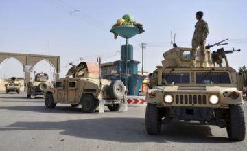 Al menos 100 soldados y 20 civiles mueren en batalla contra el Talibán