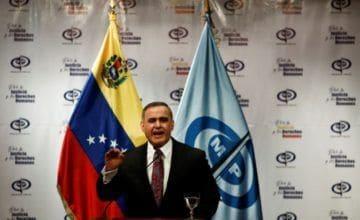 """Detención de altos oficiales sacude pesquisa por """"atentado"""" a Maduro"""