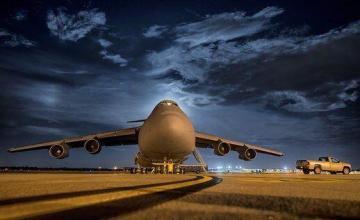 Arrestan a hombre por correr tras avión en aeropuerto Dublín