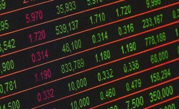 Wall Street en leve alza al mediodía