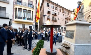 Marchan secesionistas y opositores en Barcelona