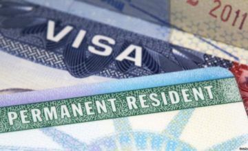 """EEUU sopesa restringir """"green cards"""" por asistencia pública"""