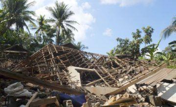 Asciende a 832 el número de víctimas por terremoto en Indonesia, continúan las labores de rescate