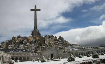 La familia de Franco lo enterrará en la cripta de La Almudena si se exhuman sus restos del Valle de los Caídos