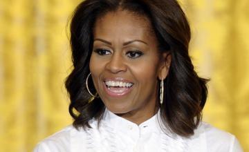 """Michelle Obama califica a George W. Bush como su """"compañero de crimen"""""""