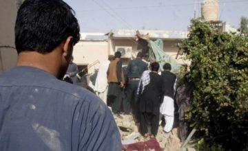 Funcionario: atentado mata 13 en mitin en este de Afganistán