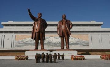 Cuba condecora al embajador norcoreano y destaca la buena relación bilateral