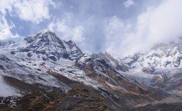 Siete escaladores muertos y dos desaparecidos en el Himalaya