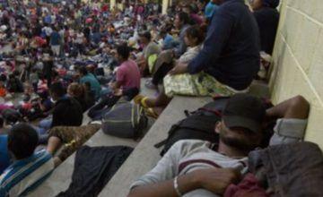 México: enfermedad, miedo y acoso merman caravana migrantes