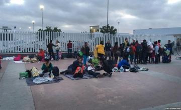 Canciller mexicano dice migrantes de caravana deberán hacer trámite individual si deciden ingresar al país
