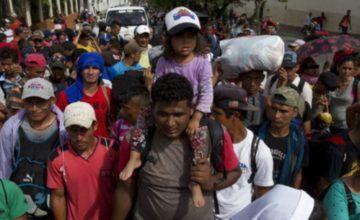 Más de 7 mil migrantes avanzan por México para llegar a EE.UU.