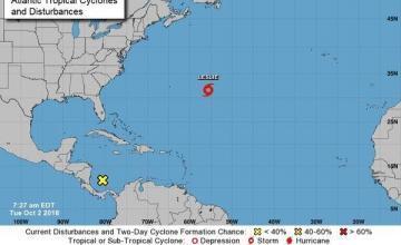 Tormenta tropical Leslie se convierte en huracán