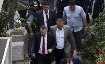 Turquía libera a pastor estadounidense detenido hace dos años