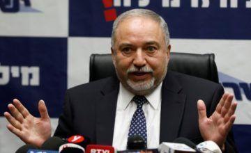Dimite el ministro israelí de Defensa por la tregua en Gaza