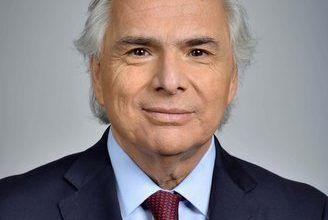 Chile citará a embajador francés luego que país concede asilo político a prófugo de justicia local