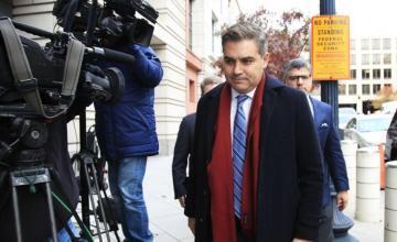 Juez pide a Casa Blanca devolver credencial a periodista CNN