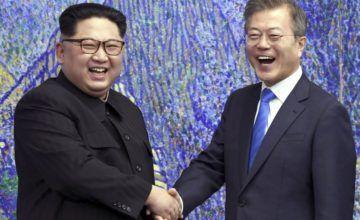 Seúl arrasa puestos fronterizos con dinamita, excavadoras