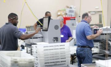 """Niegan a Rick Scott solicitud de """"confiscar"""" votos mientras dure el recuento"""