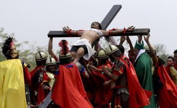 Católicos llaman a boicotear Univision por 'blasfemia' contra la Iglesia en serie 'Jesús'