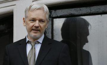 Juez en EEUU estudia pedido de revelar cargos contra Assange