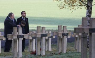 Macron y Merkel protagonizan conmovedora muestra de unidad 100 años después de la Gran Guerra