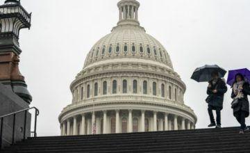 Trump cancela planes de fin de año por cierre de gobierno y exige fondos para el muro