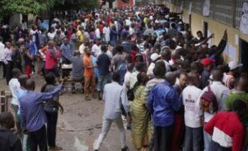 Oficialismo y oposición dicen haber ganado caótica elección presidencial en el Congo