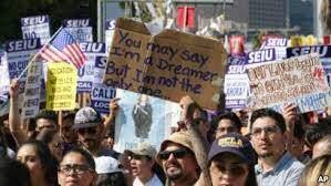 """Buscar reactivar permiso de viaje a """"soñadores"""" a través de congresistas"""