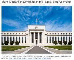Fed sube tasa de interés y señala que ve algunas subidas más