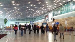 Dos detenidos por desatar el pánico con armas falsas en aeropuerto de París