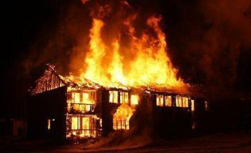 Mueren 7 niños en incendio en casa de la Ciudad de México