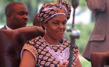 Policía sudafricana emite orden de arresto para Grace Mugabe