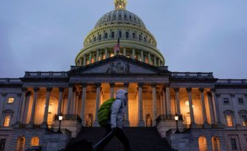 Trump reitera petición de fondos para muro a 27 días del cierre parcial del gobierno