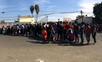 Cerca de 1,000 migrantes centroamericanos en nuevas caravanas ingresan a México