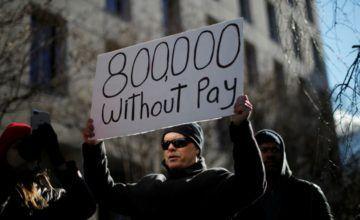 Trump firmará proyecto de ley para pagar a empleados cuando reabra el gobierno